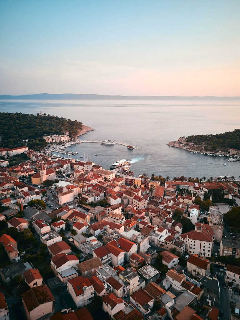 Buy or rent a house in Makarska region